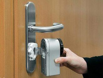 Электронный замок на входную дверь своими руками