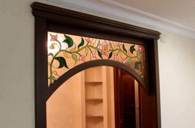 Имитация арки над дверью
