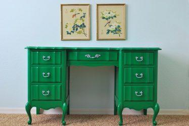 Как перекрасить стол в другой цвет?