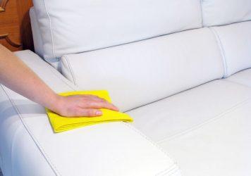 Чем оттереть ручку с кожаного белого дивана?